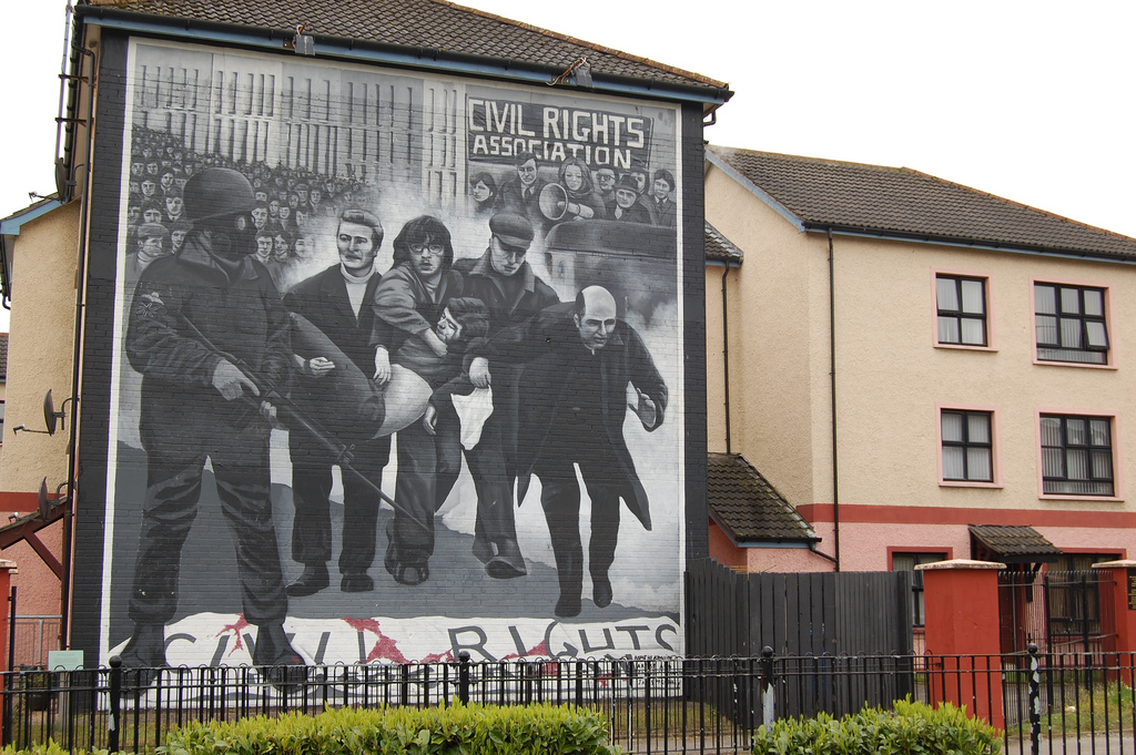 Derry's Bogside mural di jordigll, su Flickr