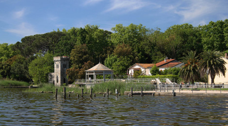 Puccini's House and Lake Tour, Torre del Lago, Italy di JohnBurke, su Flickr