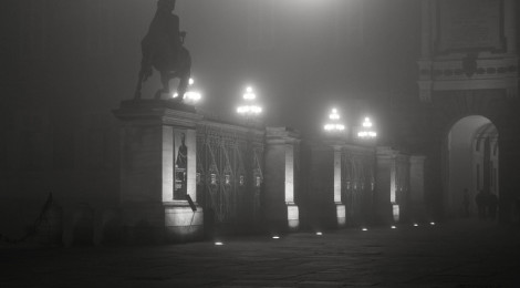 """""""Torino, la nebbia in Piazza Castello"""" di smenega, su Flickr"""