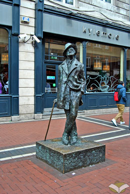 """The Prick with the Stick"", statua in North Earl Street, Dublino"