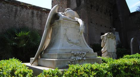 L'Angelo del Dolore, scultura di William Wetmore Story sulla tomba di famiglia ©turismoletterario.com