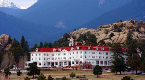 """Fonte immagine: """"The Stanley Hotel"""" di Wakeley su Flickr (Licenza CC)"""
