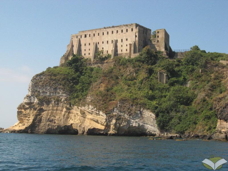 Un itinerario a Procida, l'isola di Arturo e di Graziella | Turismoletterario.com