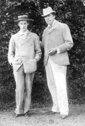 Oscar Wilde e Lord Alfred Douglas a Cromer, nel Norfolk, settembre 1892. Foto di Herbert Mace