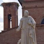 certaldo, statua di boccaccio
