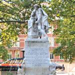 Statua di Shakespeare in Leicester Square, Londra