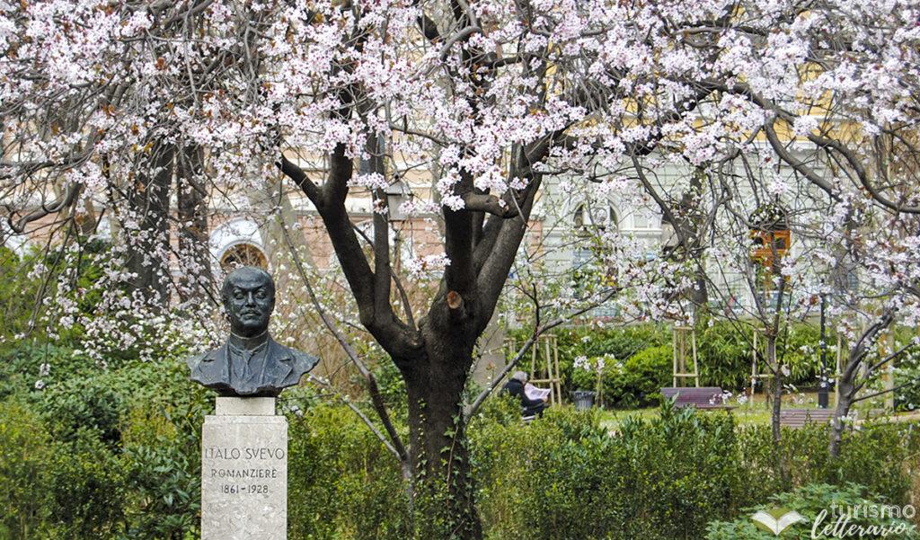 Busto di Italo Svevo nel Giardino Pubblico, Trieste