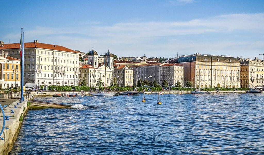 Trieste, fronte mare